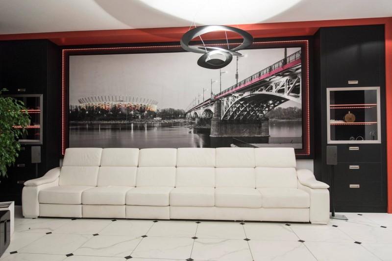 Galerie canvas - fototapeta na bawełnianym płótnie. Rozmiar 450 x 200 cm.